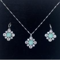 Collar + Pendientes De Fantasía Flores- Baño De Plata Oferta
