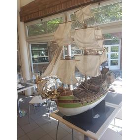 Replica De Barco Pirata Hecho Todo Con Materiales Reciclado