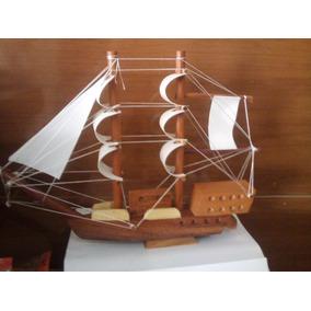 Navio De Madeira / Barco / Caravela/ Enfeite Frete Grátis
