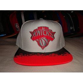 054ab052aef8f Gorra Snapback Mitchell And Ness New York Knicks Infrared Wh