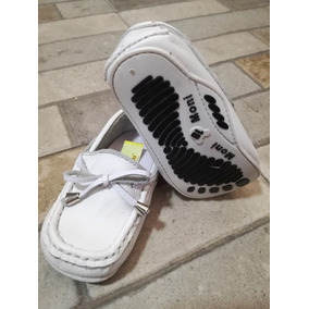 Zapatos Bebe Tipo Mocasín Con Campanitas Marca Moni-moni