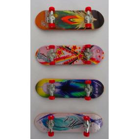 Kit 4 Skate De Dedo Plástico - Lixa+8 Rodinha +ferramenta!
