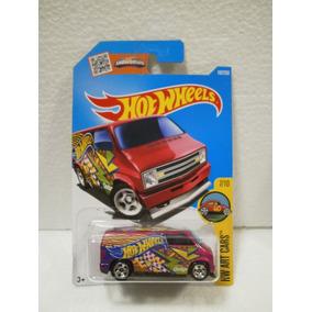 Hot Wheels Custom Camioneta 77 Dodge Van Rosa 197/250 2016