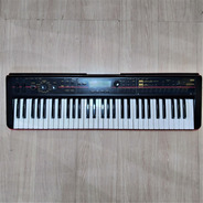 Teclado Korg Kross 61 Sintetizador Workstation Usado
