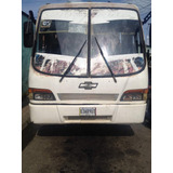 Autobús Npr Chevrolet 2001 Mas 2 Carroceria Encava Año 2000