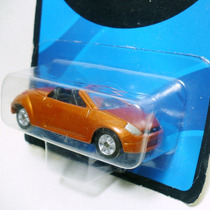 Miniatura Ford Ka Street Conversivel - Maisto Collection 164