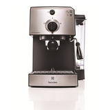 Cafetera Express Electrolux Aroma Emc10