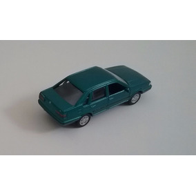 Miniatura De Carro Em Ferro - Santana 1996 - Escala 1/38