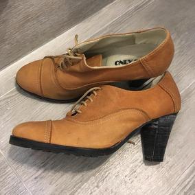 Zapatos De Gamuza Con Taco Y Cordones