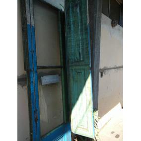 Puerta Antigua De Madera Vidrio Repartido Con Herrajes