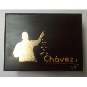 Caja De Madera Figura De Bronce Con Baño De Oro Calada A Man