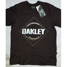 Kukixo Verao 2018 Oakley - Camisetas no Mercado Livre Brasil 3b158efa345