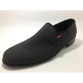 Gigi Cavani Calzado De Vanguardia En Gamuza Color Negro