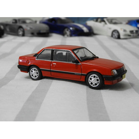 Miniatura Monza Sedan 1985 1/43 Chevrolet Collection Ed 05