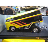 Hot Wheels 1:18 Customized Vw Drag Bus.