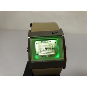 Reloj Nike Acero Wa0051 Luz Led Verde Y Correa En Piel