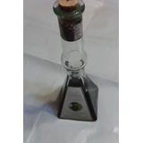 Botella Con Bella Forma De Licor Artesanal De Mora Del Sur