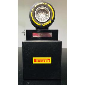 Pneu Miniatura F1 Pirelli Pzero Caixa Exclusiva E Pedestal