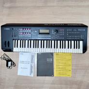Teclado Yamaha Mox6 Sintetizador 61 Teclas Usado