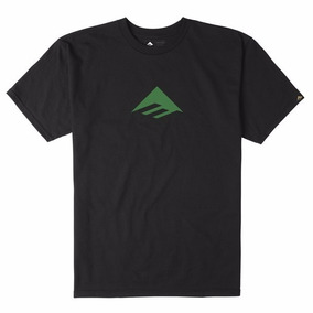 Remera Emerica Triangle Tee 7.1 / Negra Estampa