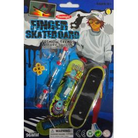 Kit 2 Skate Dedo Luminoso Led Fingerboard Brinquedo Lindo