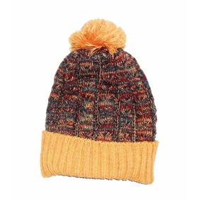 gorro de lana con pompon invierno
