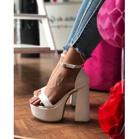 83672a2b16a49 Zapatos Con La Firma De Lali Esposito - Zapatos de Mujer Blanco en ...