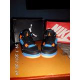 Zapatos Jordán Retro 4 Carrito