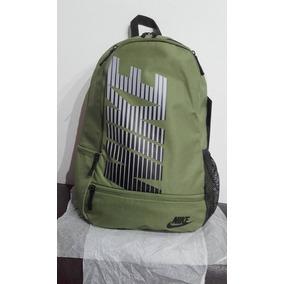 Mochila Nike Bz Classic North School 22 Litros. 45 X 30 X 16