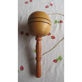 Bilboquê Brinquedo Antigo De Sobra De Madeira De Móveis