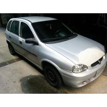 Corsa Hatch Super 2001 1.0 16v 5p
