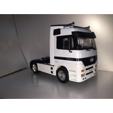 Camion Tractor Mercedes Benz Actros Welly 1/32