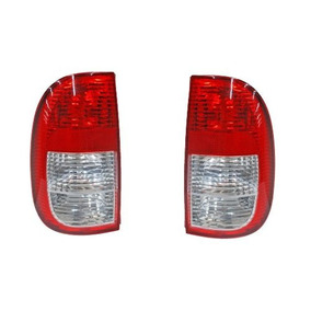 Par Juego Calaveras Volkswagen Pointer 2002-2005 Pick Up Xry