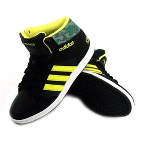 Zapatilla adidas Hoops Mid Negra Urbana Niño Eezap
