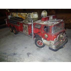 Camión De Bomberos Antiguo. Control Remoto Alambrico.