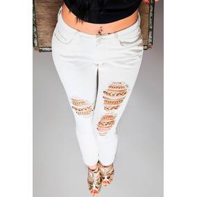 Calça Jeans Com Correntes