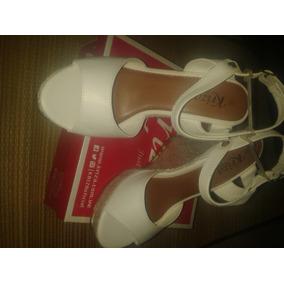 Sandalias Tipo Plataforma Blancas