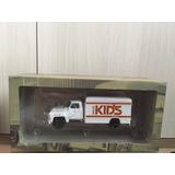 Miniatura Caminhão Chevrolet C6500 Balas Kids - Ixo - 1/43