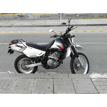 Dr 650 Suzuki, Negro Blanco.