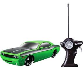 Dodge Challenger 2006 Carrinho De Controle 1:24 Brinquedo
