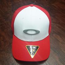 Bone Oakley Tincan Oval (vermelho Com Branco S/m) Lancamento