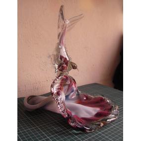Figura Ave Comiendo De Una Flor De Vidrio Soplado Pintado