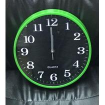 Reloj De Pared Verde, Azul, Rojo,ng Y Bl 27 Cm Fondo Negro