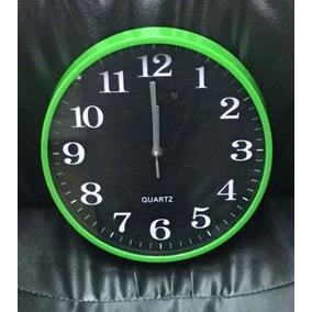 Reloj De Pared Verde, Azul, Rojo, 27 Cm Fondo Negro