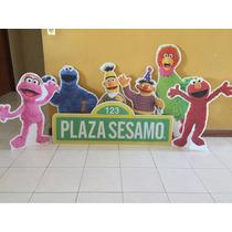 Figura De Coroplast Plaza Sesamo
