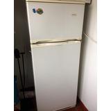 Heladera Frigideire Con Freezer