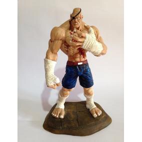 Boneco Sagat Street Fighter Em Resina Pintado A Mão