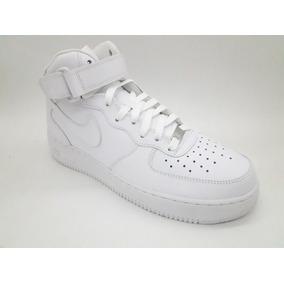 Zapatillas Nike Air Force 1 Mid ´07 / Hombre / Botitas