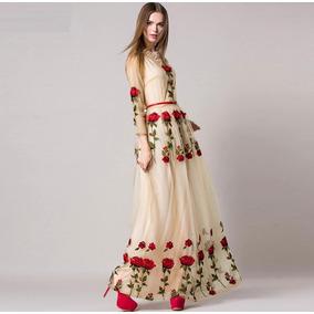 Belissimo Vestido De Tule Com Rosas Aplicadas Bordado