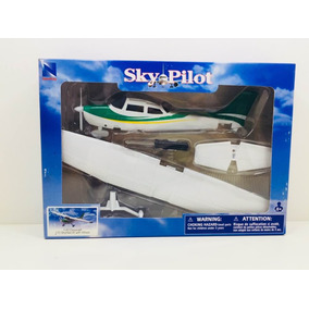 Miniatura Avião Cessna 172 Skyhawk With Wheel 1/42 New Ray